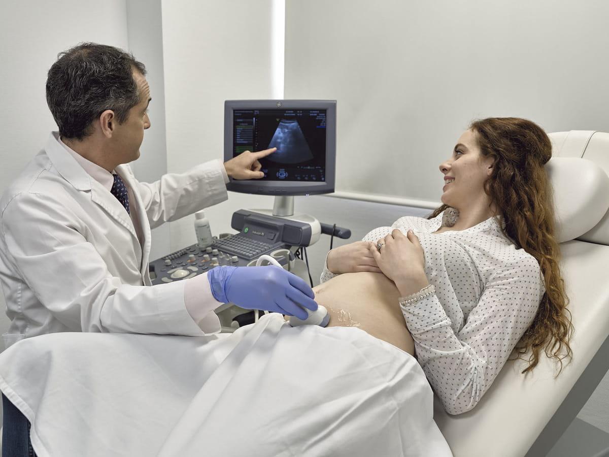 Exploración ginecológica y ecografía